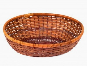 13292458-empty-wooden-fruit-or-bread-basket-on-white-background